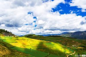 【9月】贵州恋歌贵阳黄果树、马岭河大峡谷、万峰林、乌蒙大草原双飞5日游